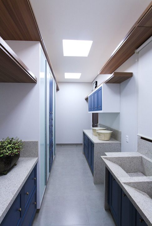 Kitchen by Pavesi Arquitetura