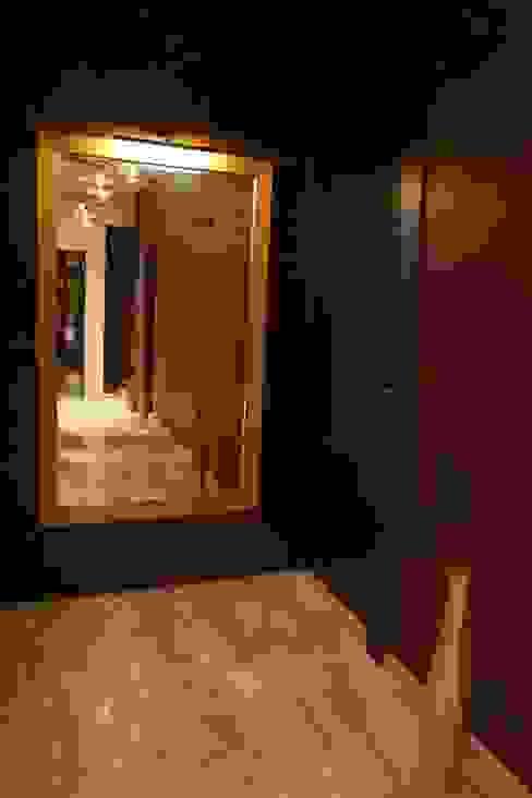 Singh Bunglow - Kalyan Modern corridor, hallway & stairs by Aesthetica Modern