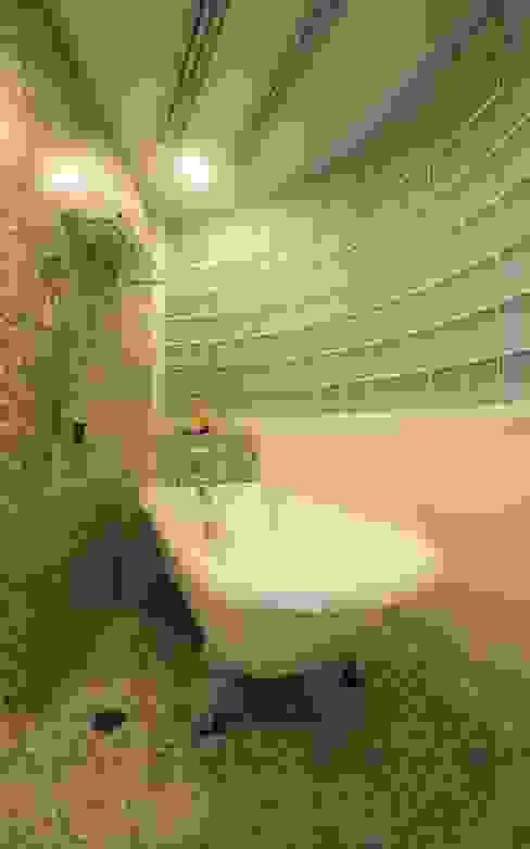 バスルーム: QUALIAが手掛けた浴室です。,オリジナル