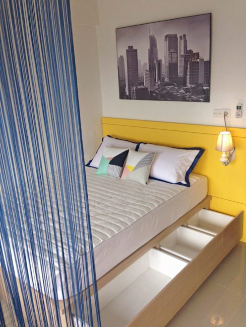 RANAH Modern style bedroom Yellow