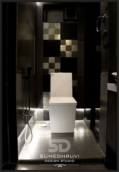 Master Bathroom W.C. Area with Raised Floor SUMEDHRUVI DESIGN STUDIO Modern bathroom