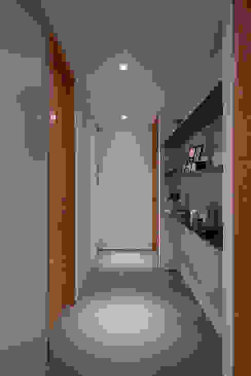 北歐X工業風! 斯堪的納維亞風格的走廊,走廊和樓梯 根據 好家空間設計工作室 北歐風