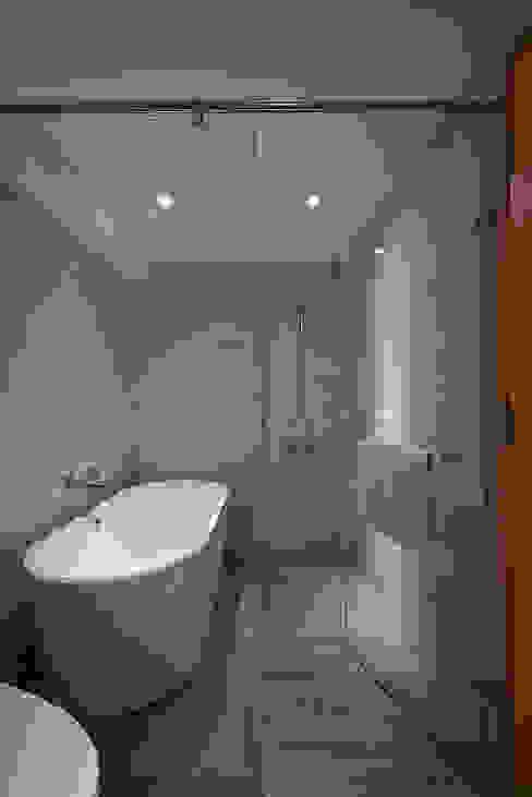 ห้องน้ำ โดย 好家空間設計工作室,