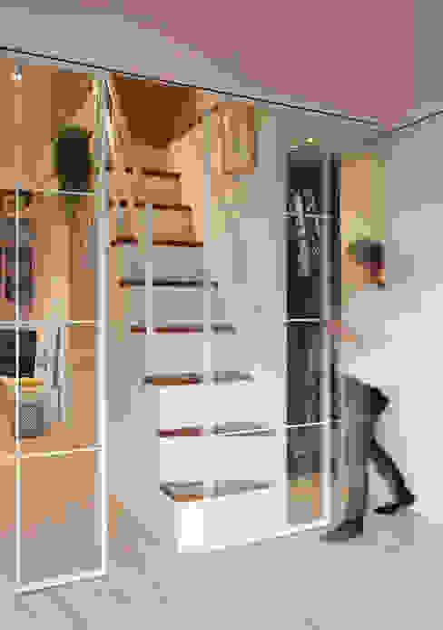 每個女生都夢想擁有一座更衣室 creating a cloakroom from an aisle 一葉藍朵設計家飾所 A Lentil Design 更衣室