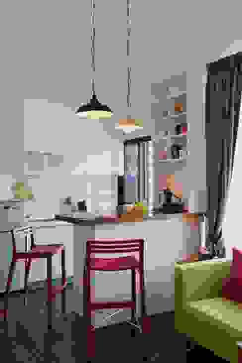 Cozinhas modernas por 大觀創境空間設計事務所 Moderno