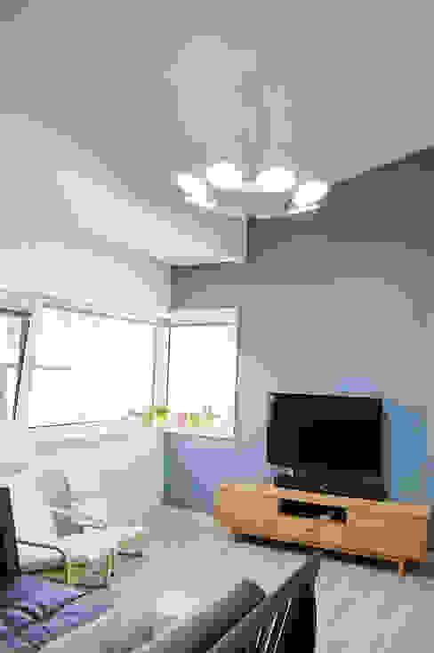 다담하우스_부천시 소사구 범박동 207-6 다가구주택 AAG architecten 모던스타일 미디어 룸