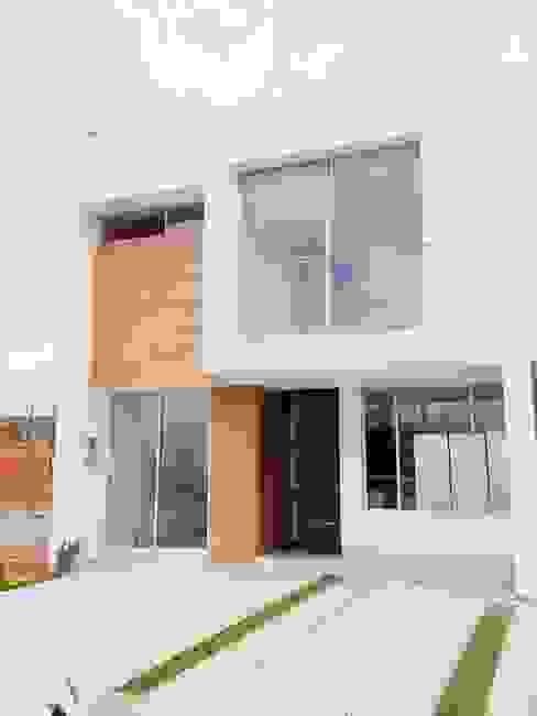 casas niza Casas de estilo minimalista de CONSTRUCTOR INDEPENDIENTE Minimalista