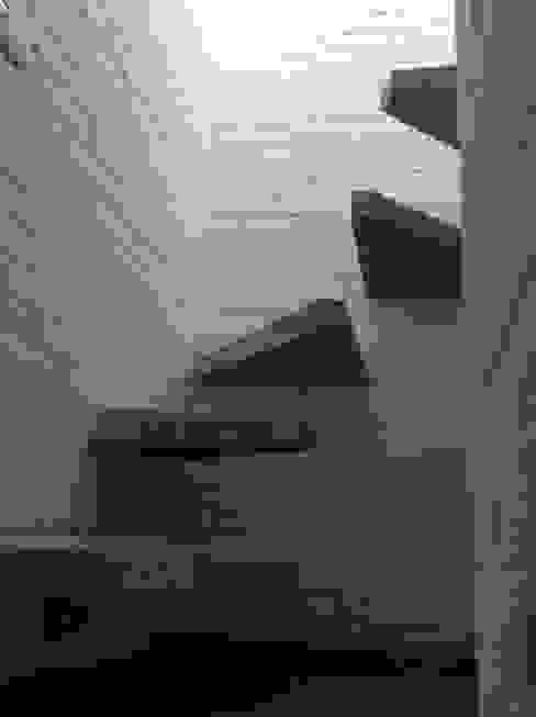 Paredes y pisos de estilo minimalista de Arquitectura Para Todos Minimalista Concreto