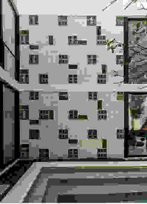 в современный. Автор – Taller Estilo Arquitectura, Модерн