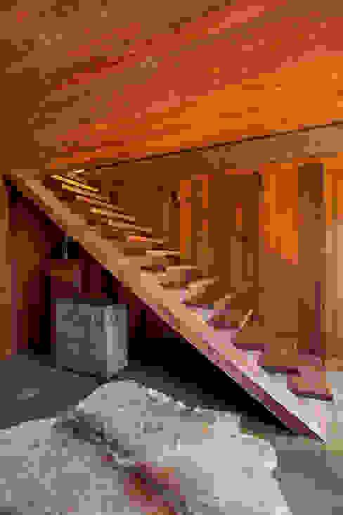 Hành lang, sảnh & cầu thang phong cách đồng quê bởi Gisele Taranto Arquitetura Đồng quê