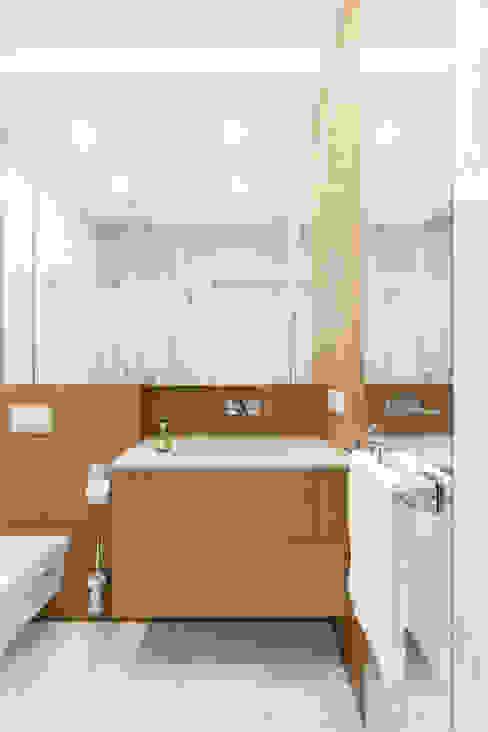 Modern Bathroom by Ayuko Studio Modern