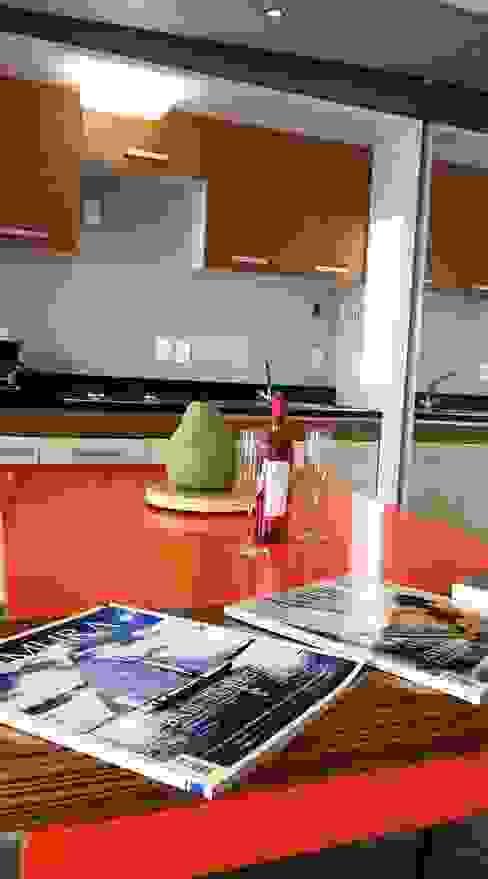 Modern kitchen by JMS DISEÑO DE INTERIORES MUEBLES Y CONSTRUCCION Modern Wood Wood effect