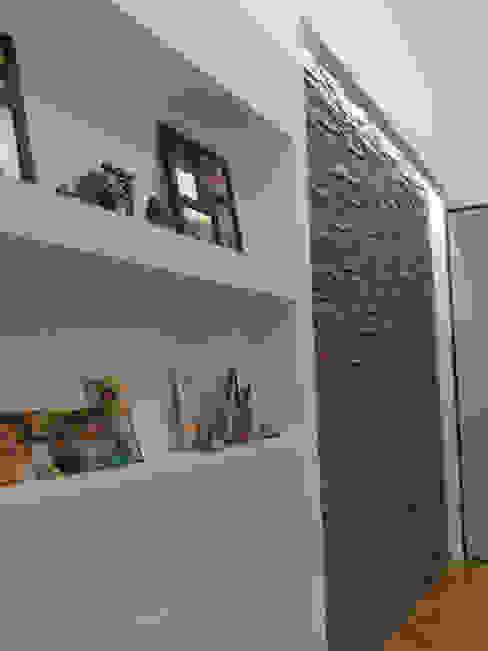 Zona ingresso Ingresso, Corridoio & Scale in stile moderno di Luca Palmisano Architetto Moderno