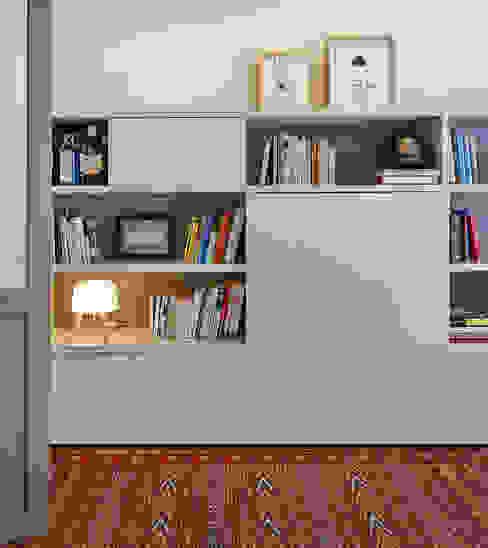Ruang Studi/Kantor Modern Oleh THE ROOM & CO interiorismo Modern
