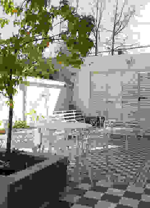 Terraza Balcones y terrazas modernos de RENOarq Moderno