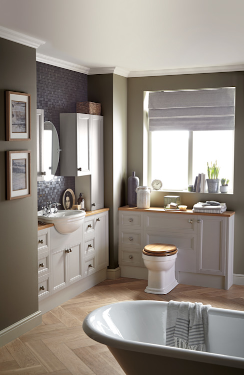 Caversham fitted furniture من Heritage Bathrooms كلاسيكي