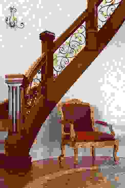 走廊 & 玄關 by Kellie Burke Interiors, 古典風