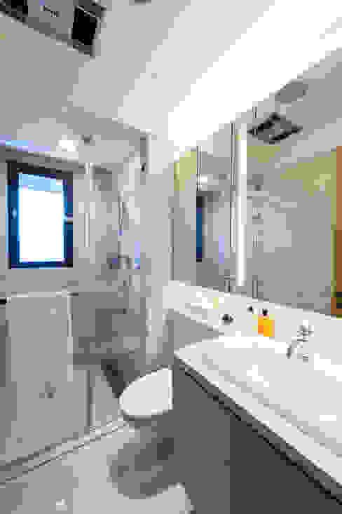 NO.23 W宅 現代浴室設計點子、靈感&圖片 根據 汎羽空間設計 現代風