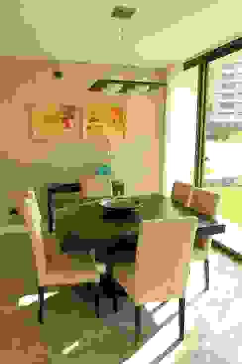 Modern Dining Room by Estudio Karduner Arquitectura Modern Wood Wood effect