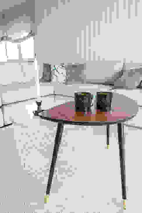Sala e Varanda em Paço de Arcos Sizz Design Sala de estarBancos e cadeiras