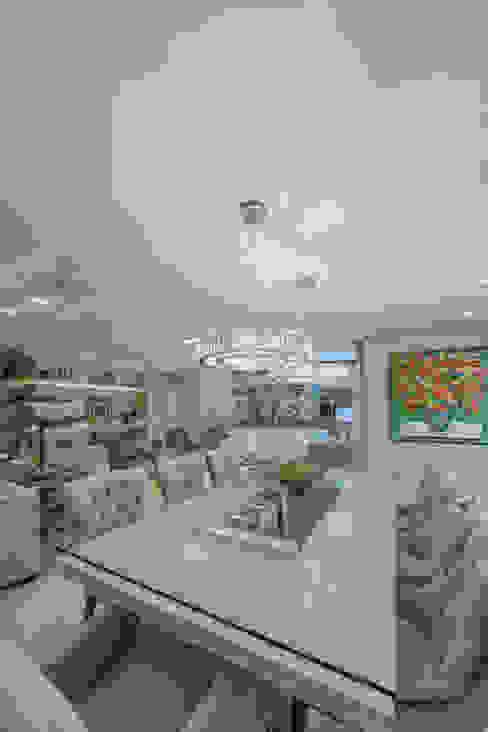 غرفة السفرة تنفيذ Chris Brasil Arquitetura e Interiores, كلاسيكي