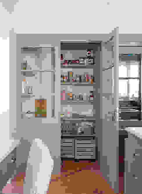 Casa Decor 2017 DEULONDER arquitectura domestica Cocinas de estilo clásico Beige