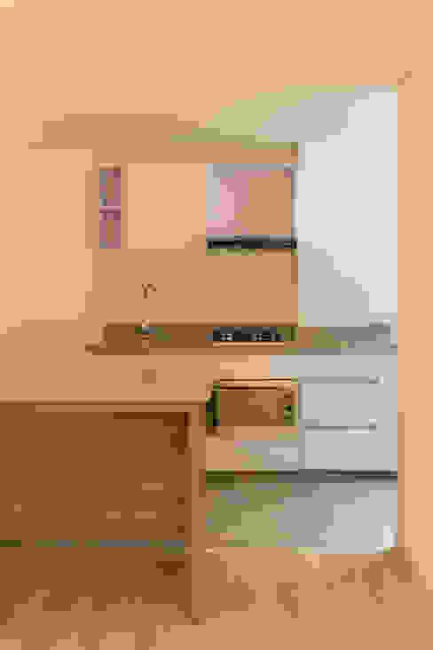 MULTIFAMILIAR INTERIOR 8 Cocinas de estilo minimalista de ENSAMBLE de Arquitectura Integral Minimalista