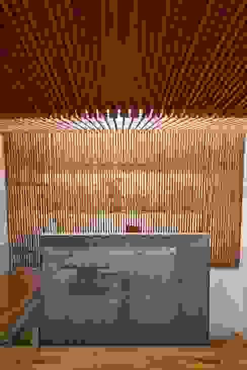 M11 House Hành lang, sảnh & cầu thang phong cách hiện đại bởi a21studĩo Hiện đại