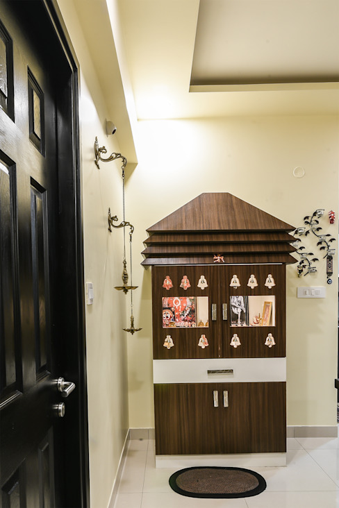 Two BHK - Whitefield Classic style doors by Wenzelsmith Interior Design Pvt Ltd Classic