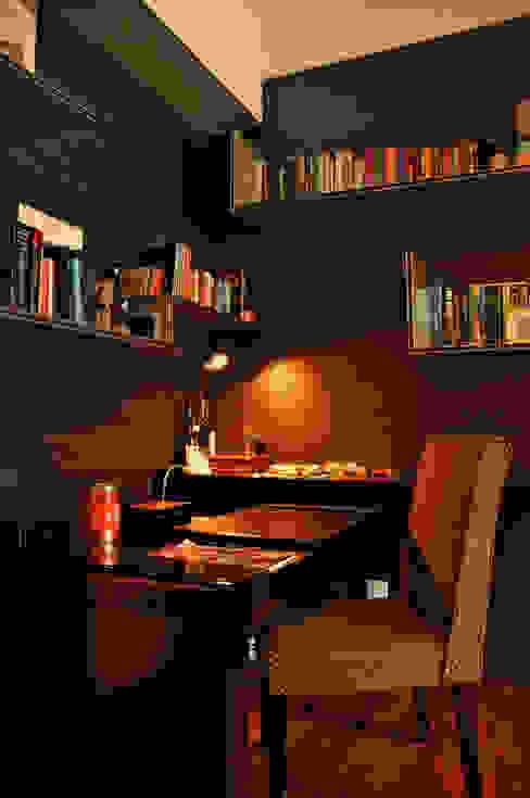 Study Room E&U Ruang Studi/Kantor Gaya Asia Kayu Lapis Black
