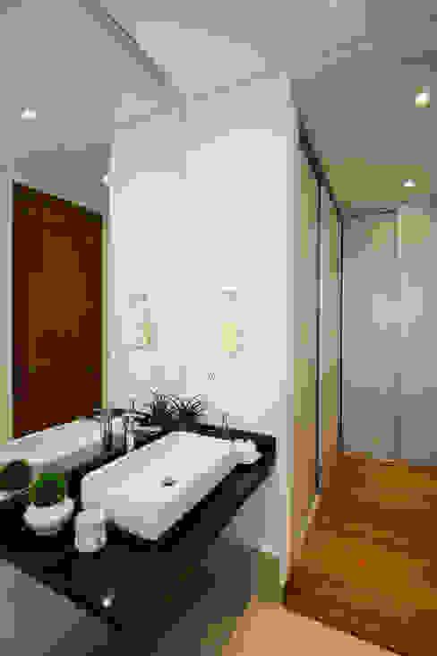 KASA Asian style bathroom by Marilen Styles Asian