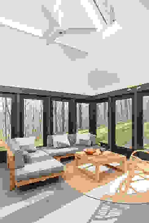 Dutchess County Residence, Amenia, NY Modern Terrace by BILLINKOFF ARCHITECTURE PLLC Modern