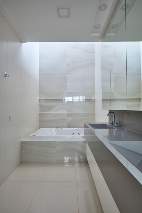 Bathroom by grupo pr | arquitetura e design, Modern