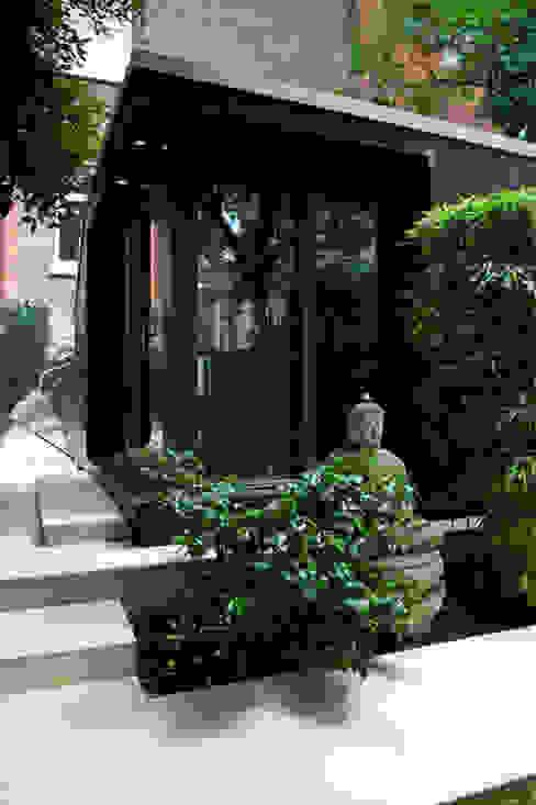 Garden Office space Moderne tuinen van Earth Designs Modern