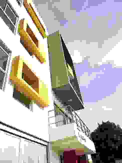 Edificio Aguadulce: Casas de estilo  por ARKETIPO diseño + construccion, Minimalista