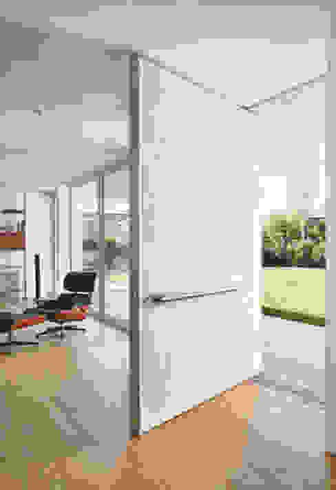 Suelos, paredes y escaleras MICROTOPPING® - Villas privadas de Fermox Solutions Moderno
