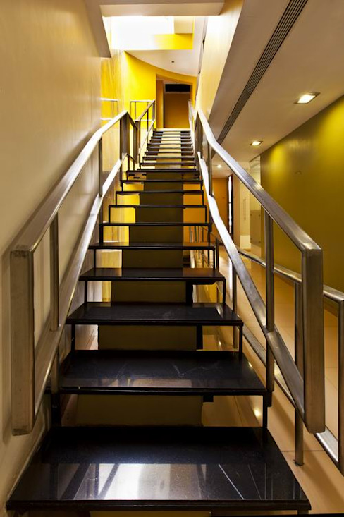 Staircase Modern office buildings by Studio - Architect Rajesh Patel Consultants P. Ltd Modern