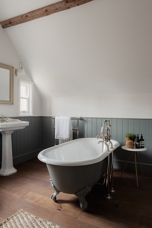 Georgian House Renovation and extension Classic style bathroom by HollandGreen Classic