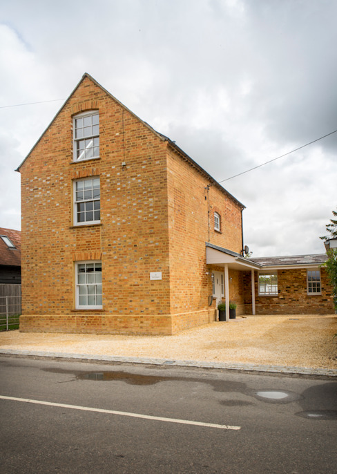 Mill house renovation and extension, Buckinghamshire Дома в стиле модерн от HollandGreen Модерн