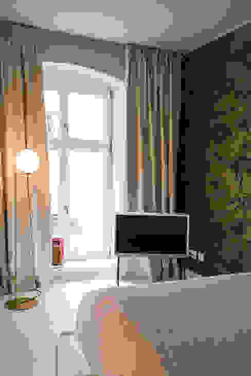 Modern style bedroom by THE INNER HOUSE Modern