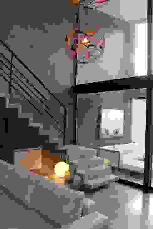 Salas modernas de DUA Arquitectos Moderno