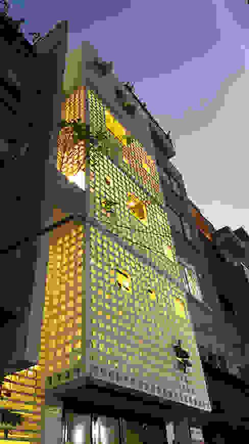 Q10 House bởi Studio8 Architecture & Urban Design Châu Á