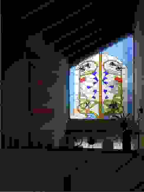 Duplex calle Centenario, vitral Dario Basaldella Arquitectura Salones de estilo clásico Beige