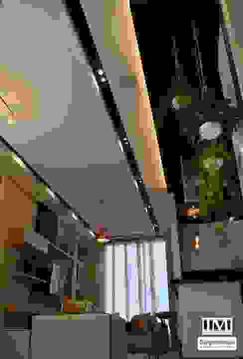 Diseño y construccion (Reforma y remodelacion) - Apto de soltero - Barranquilla Salas de estilo industrial de Savignano Design Industrial