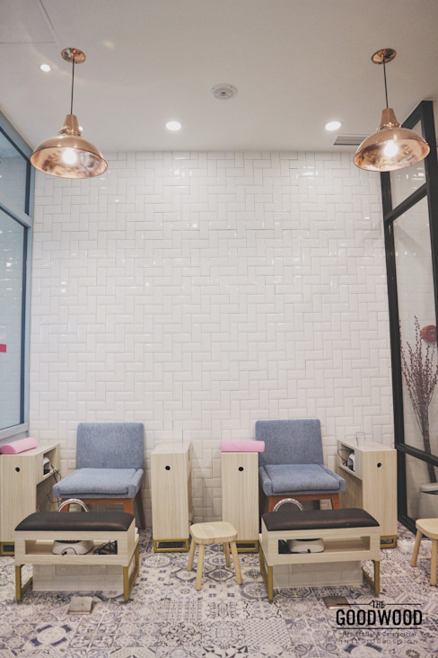 Two Cents Studio:  Kantor & toko by The GoodWood Interior Design