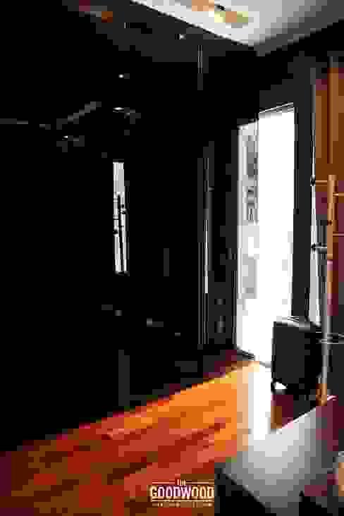 Projekty,  Garderoba zaprojektowane przez The GoodWood Interior Design