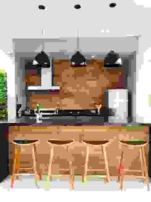 Área Gourmet Fabiana Nishimura Arquitetura Varandas, alpendres e terraços modernos