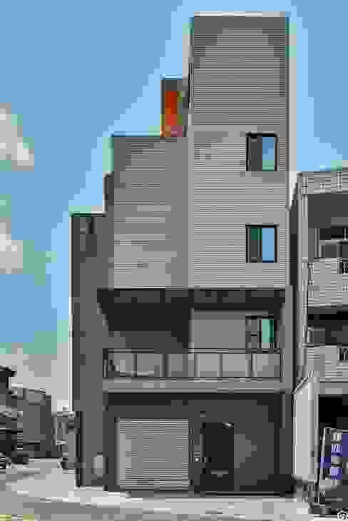 讚基營造有限公司 Casas modernas