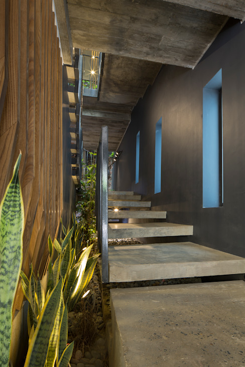 STH - Stairhouse Modern corridor, hallway & stairs by deline architecture consultancy & construction Modern Concrete