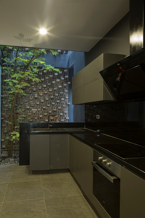 Kitchen by deline architecture consultancy & construction